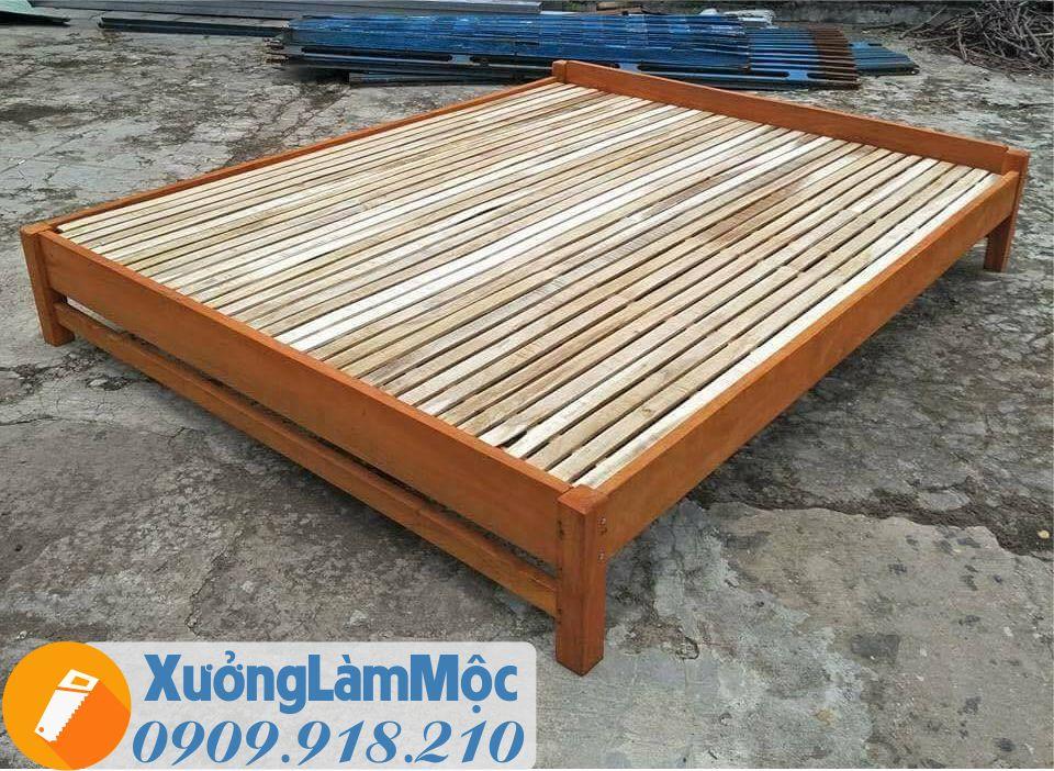 Mẫu giường ngủ bằng gỗ tự nhiên 1m8