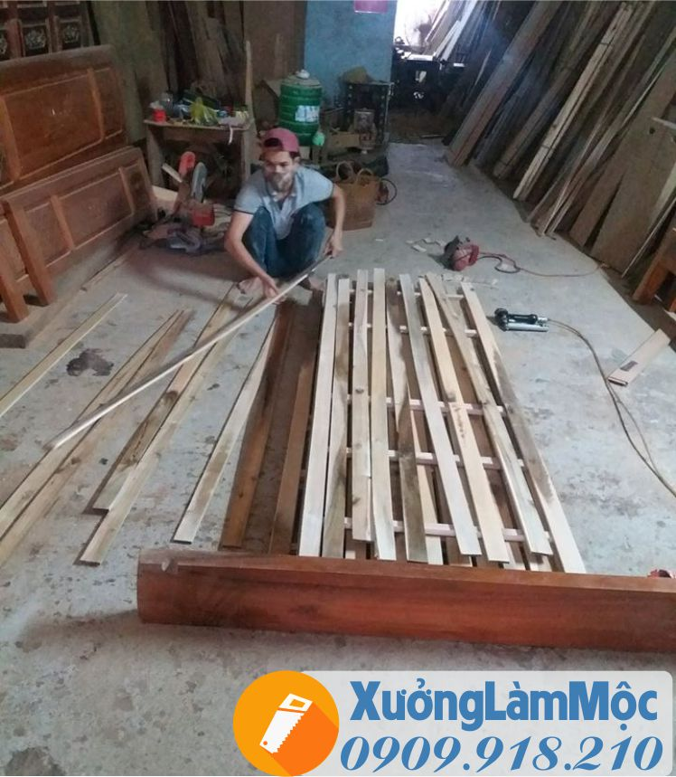 Giường được đóng ở xưởng và vận chuyển khắp Đà Nẵng