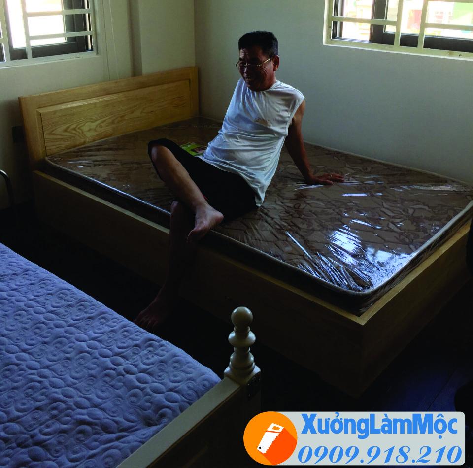 Thi công giường ngủ tại khách sạn , giường đơn có hộc tủ để đồ ,